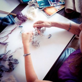 Knotting a fabric