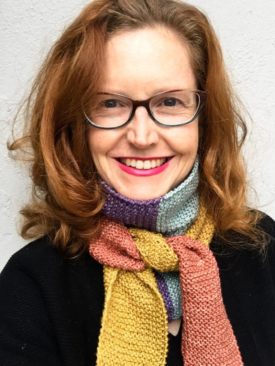 Baktus hand knit scarf worn by Bridget henderson of cowgirlblues