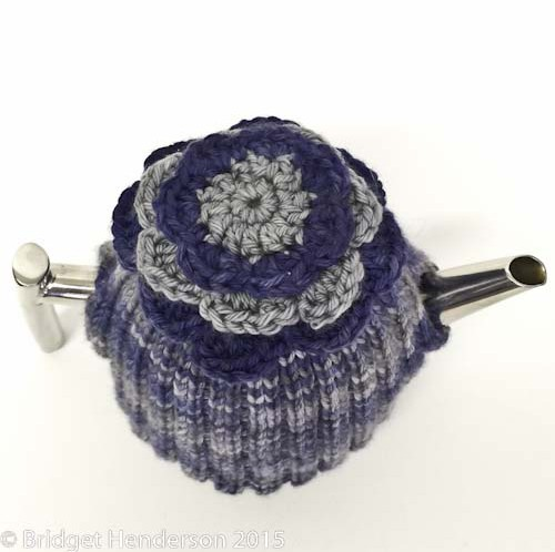Floppy flower tea cosy