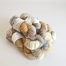 merino-sock-skein-silver-foxsablecaramelnatural