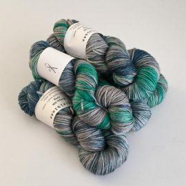 MerinoDK-GuineaFowl_Seagrass_SilverFox_Emerald