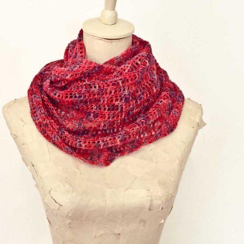 Super Simple Spring Crochet Cowl Cowgirlblues